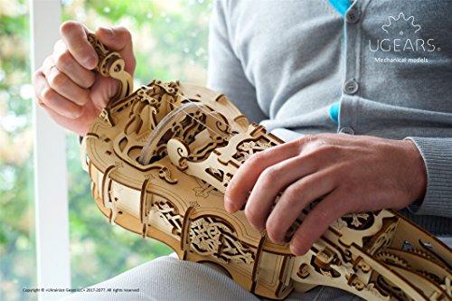 Ugears Ghironda In Legno Strumento Musicale Kit Fai Da Te Da Costruire Per Musica Folk E Moderna Modello Realmente Funzionante Con Manovella E 6 Tasti Adatto A Principianti Idea Regalo Originale 0 3